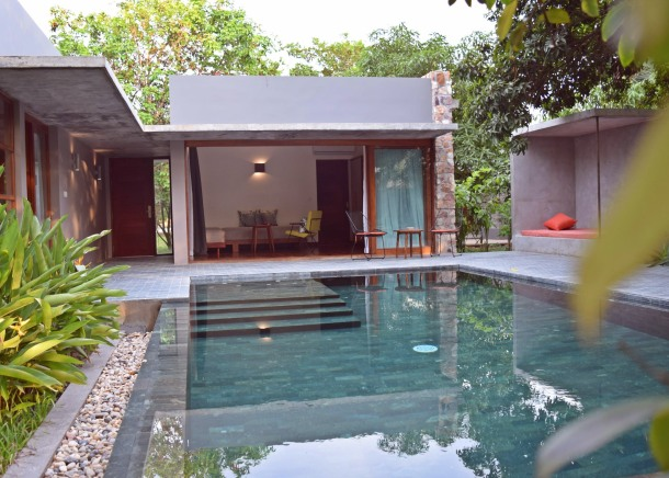 virginia-duran-blog-cambodia-pool