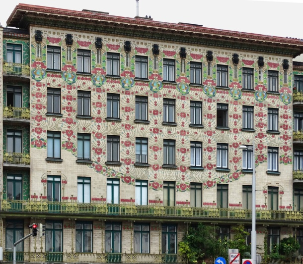 virginia-duran-blog-vienna-architecture-otto-wagner-majolica-house