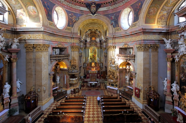 virginia-duran-blog-vienna-architecture-peterskirche-interior