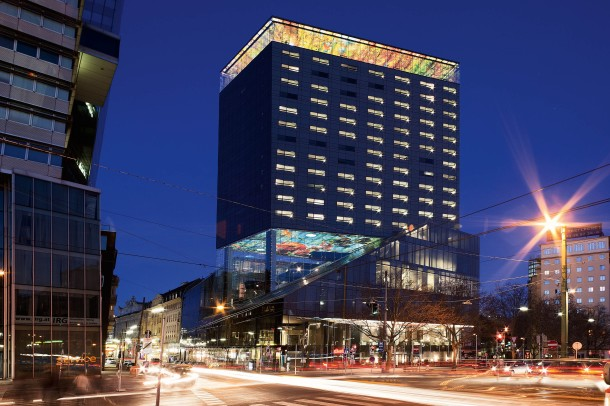 virginia-duran-blog-vienna-architecture-sofitel-hotel-jean-nouvel-exterior