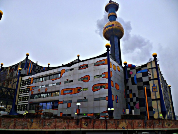 virginia-duran-blog-vienna-architecture-spittelau-district-heating-plant