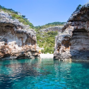4 Must-Visit Islands Near Split (Croatia)